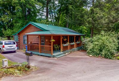 4 Donald Circle Maggie Valley NC 28751