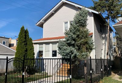 4722 W Belle Plaine Avenue Chicago IL 60641
