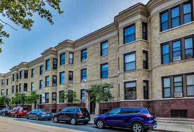 747 W Wellington Avenue Chicago IL 60657