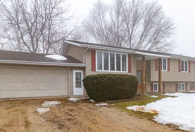 258 Easy Street Lake Holiday IL 60552