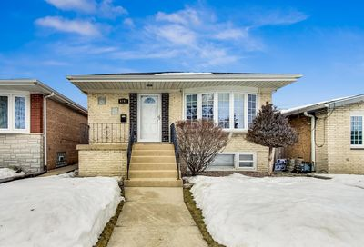 6704 W 63rd Place Chicago IL 60638
