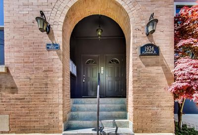 1934 N Rockwell Street Chicago IL 60647