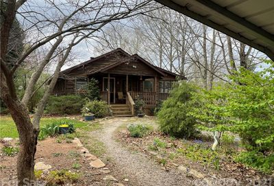 127 Cleve Silver Road Bakersville NC 28705
