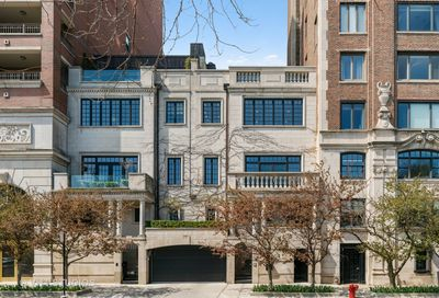 2126 N Lincoln Park West Chicago IL 60614