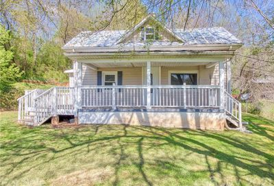 8 Mountain Crest Drive Candler NC 28715