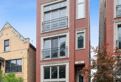 2218 N Seeley Avenue Chicago IL 60647