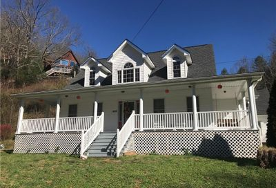 7640 State Highway 197 Road Green Mountain NC 28740