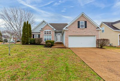 1025 Persimmon Dr Spring Hill TN 37174