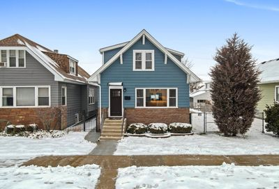5738 W Berenice Avenue Chicago IL 60634
