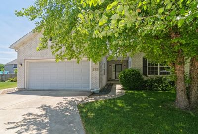 732 Independence Court Yorkville IL 60560
