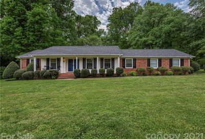 915 Rollingwood Drive Mount Holly NC 28120