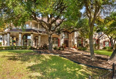 8040 Rolling Acres Trl Fair Oaks Ranch TX 78015