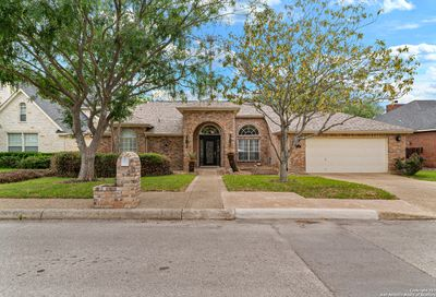 17 Inwood Heights Dr N San Antonio TX 78248