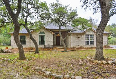 104 Kendall View Dr Boerne TX 78006