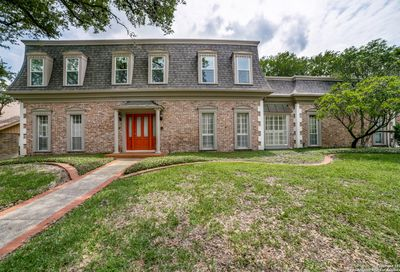 426 Woodway Forest Dr San Antonio TX 78216