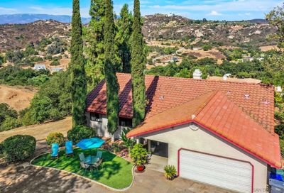 11846 Old Castle Rd Valley Center CA 92082