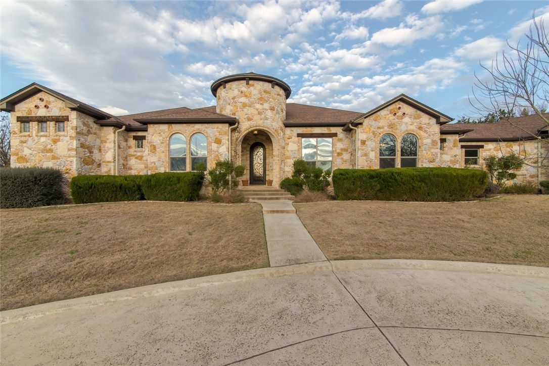 616 Indian Trail