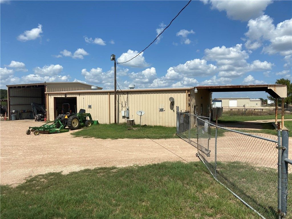 4447 W State Highway 71