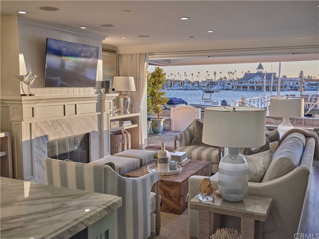 518 S Bay Front