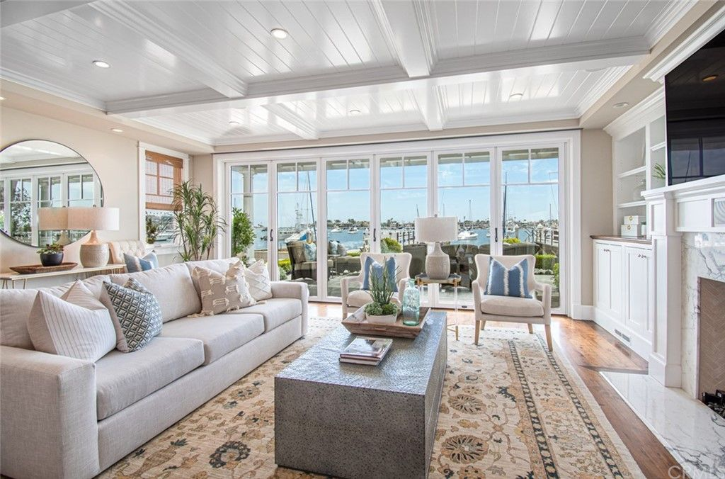 1802 S Bay Front