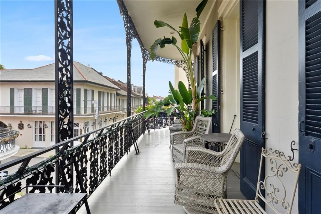 926-40 Chartres Street