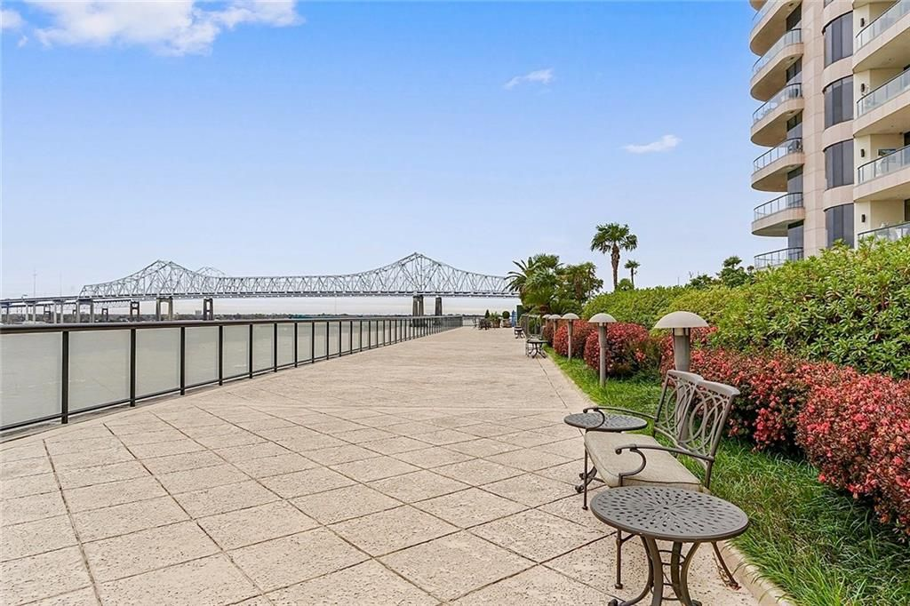 600 Port Of New Orleans Place