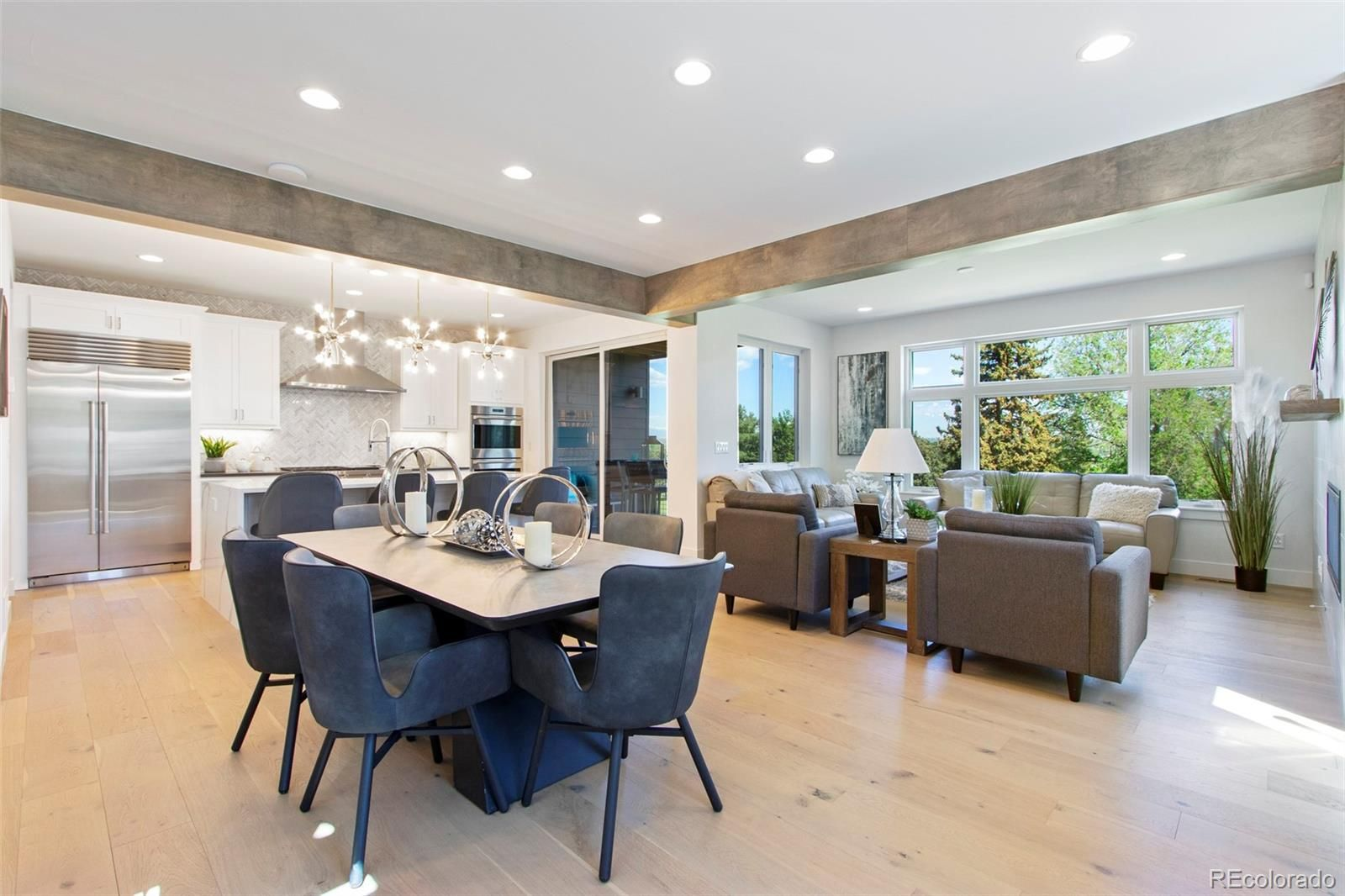 4653 W 50th Place