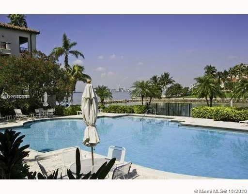 2221 Fisher Island Dr
