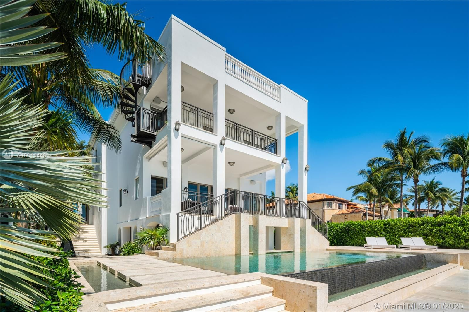 3590  Crystal View Ct
