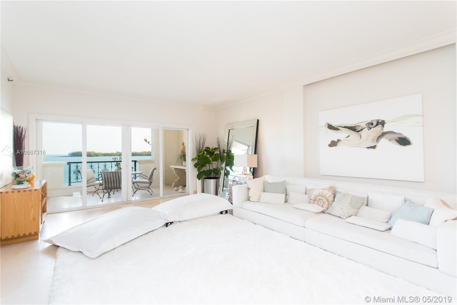 2333 Fisher Island Dr