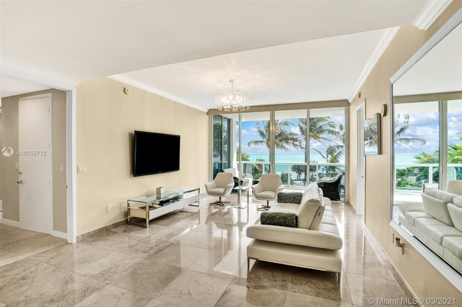 18101 Collins Ave