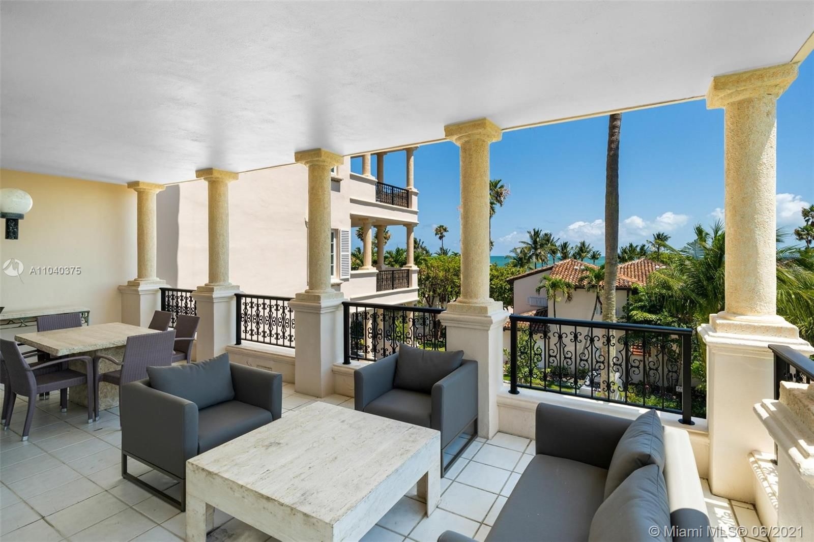 19136 Fisher Island Dr