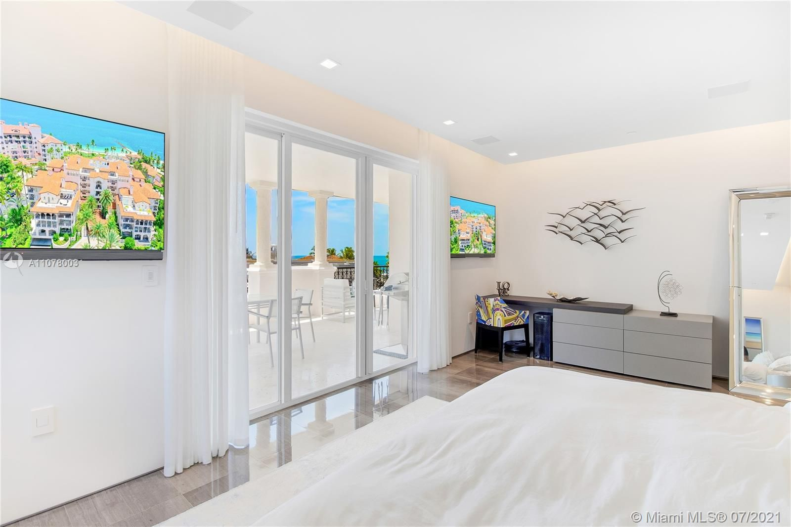 19233 Fisher Island Dr