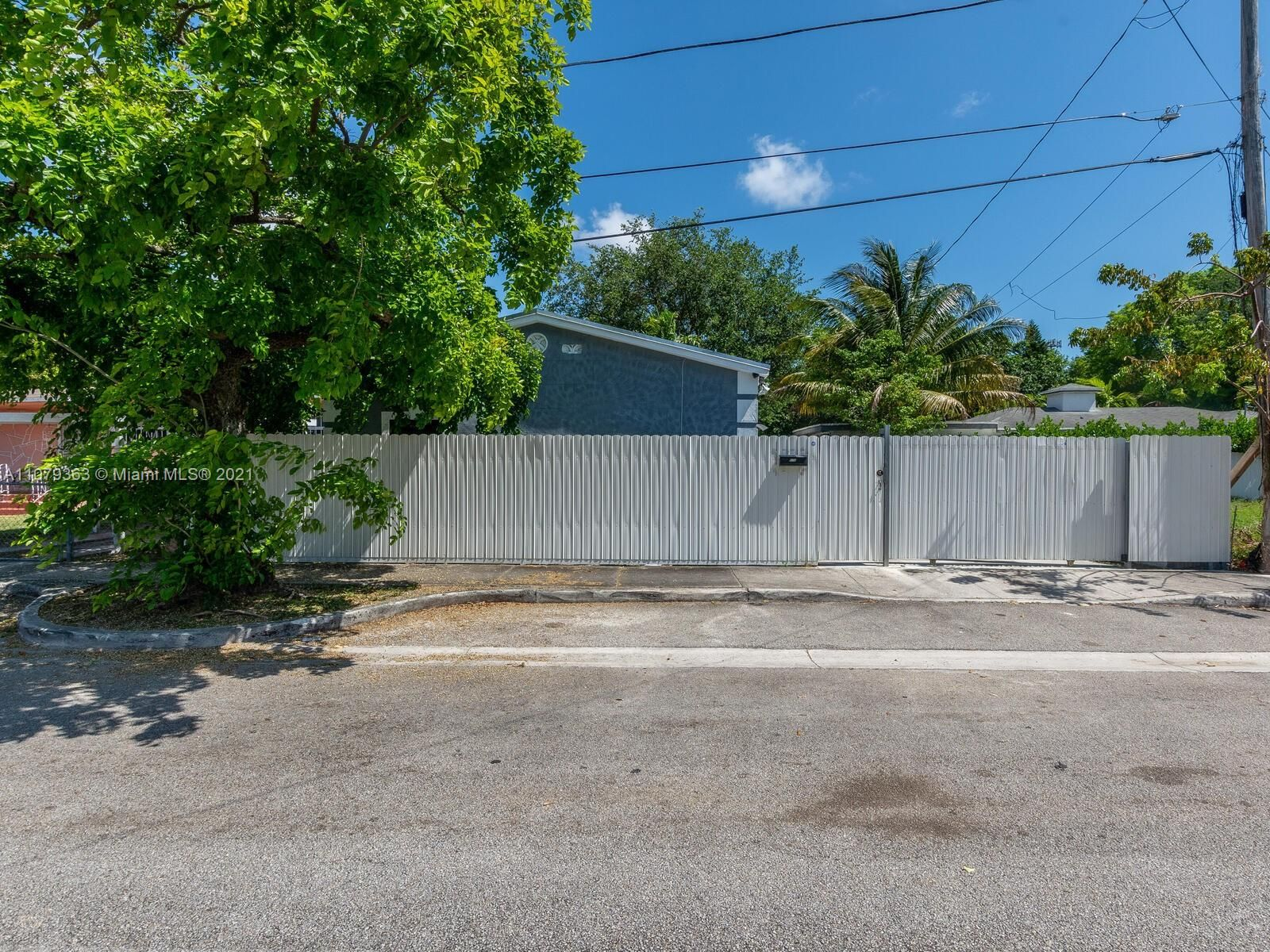 519 NW 52nd St