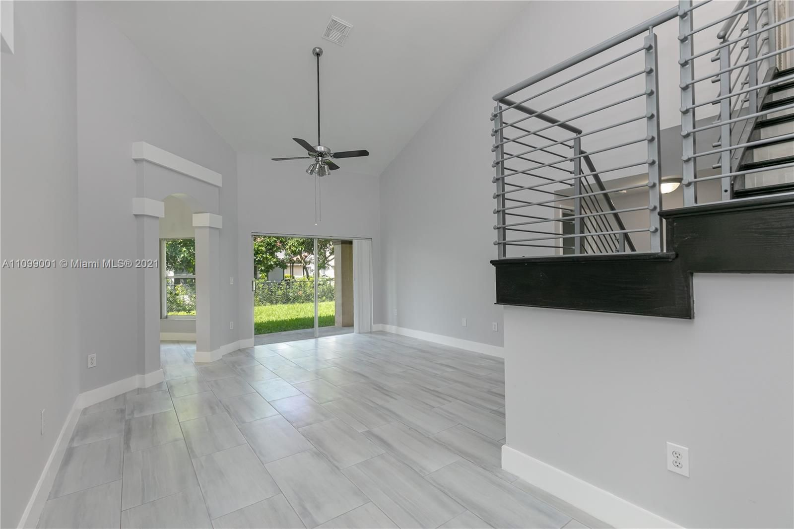 100 NW 189th Ave