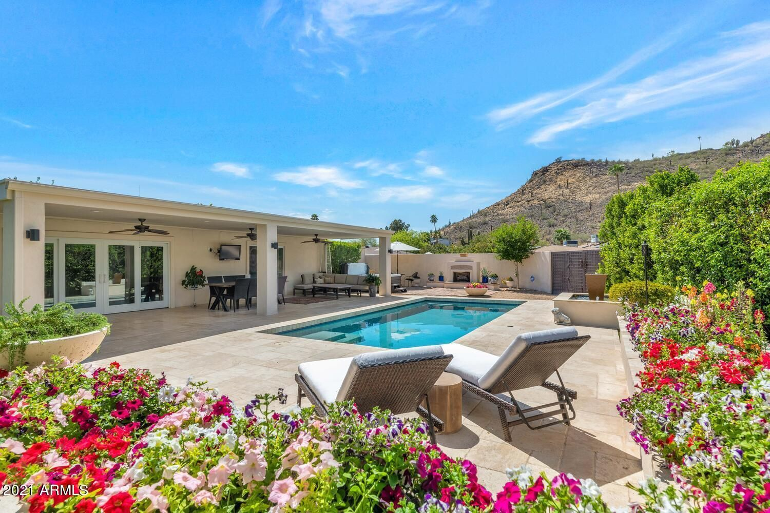 960 W Moon Valley Drive