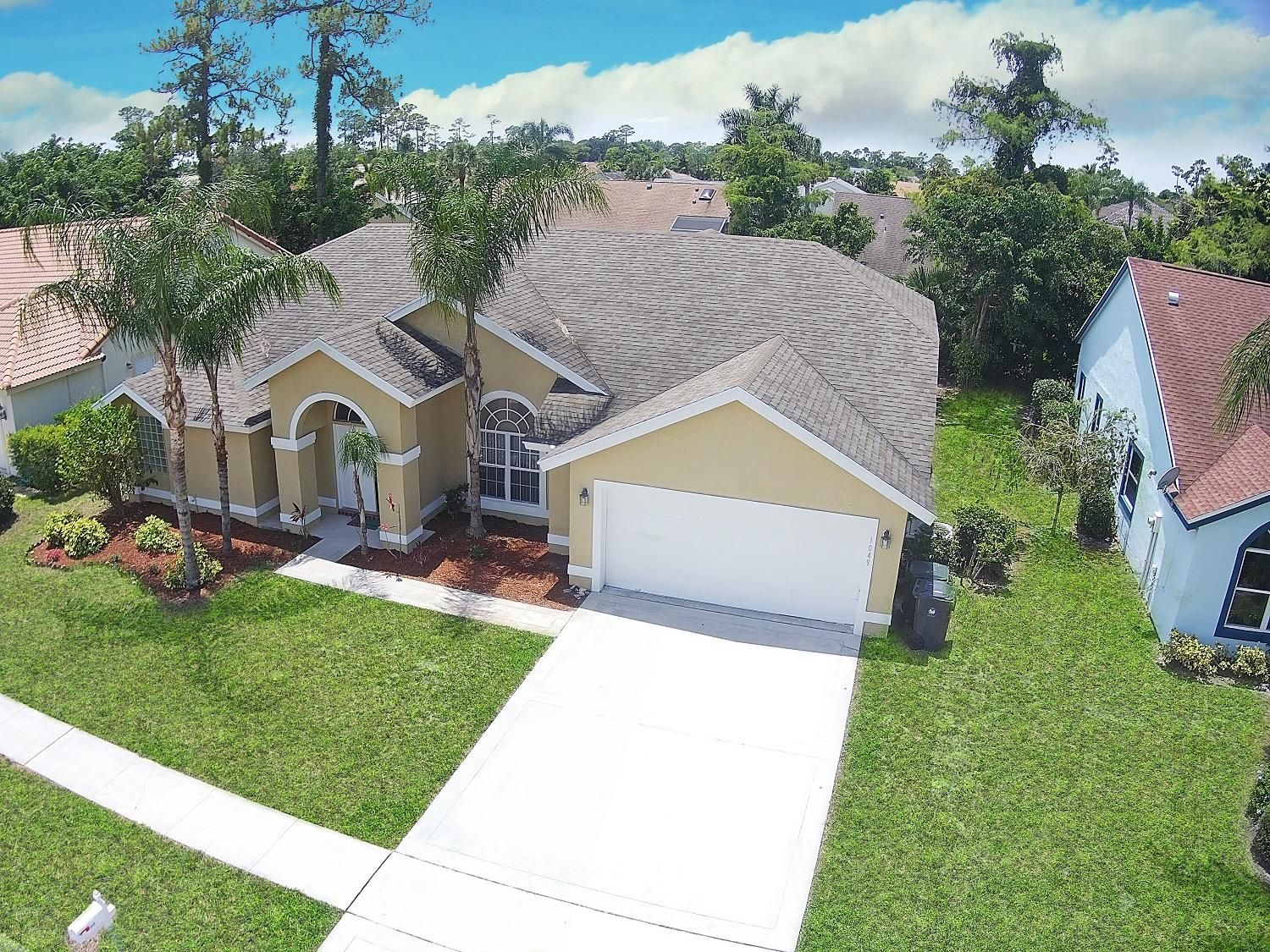 1049 Sweet Briar Place