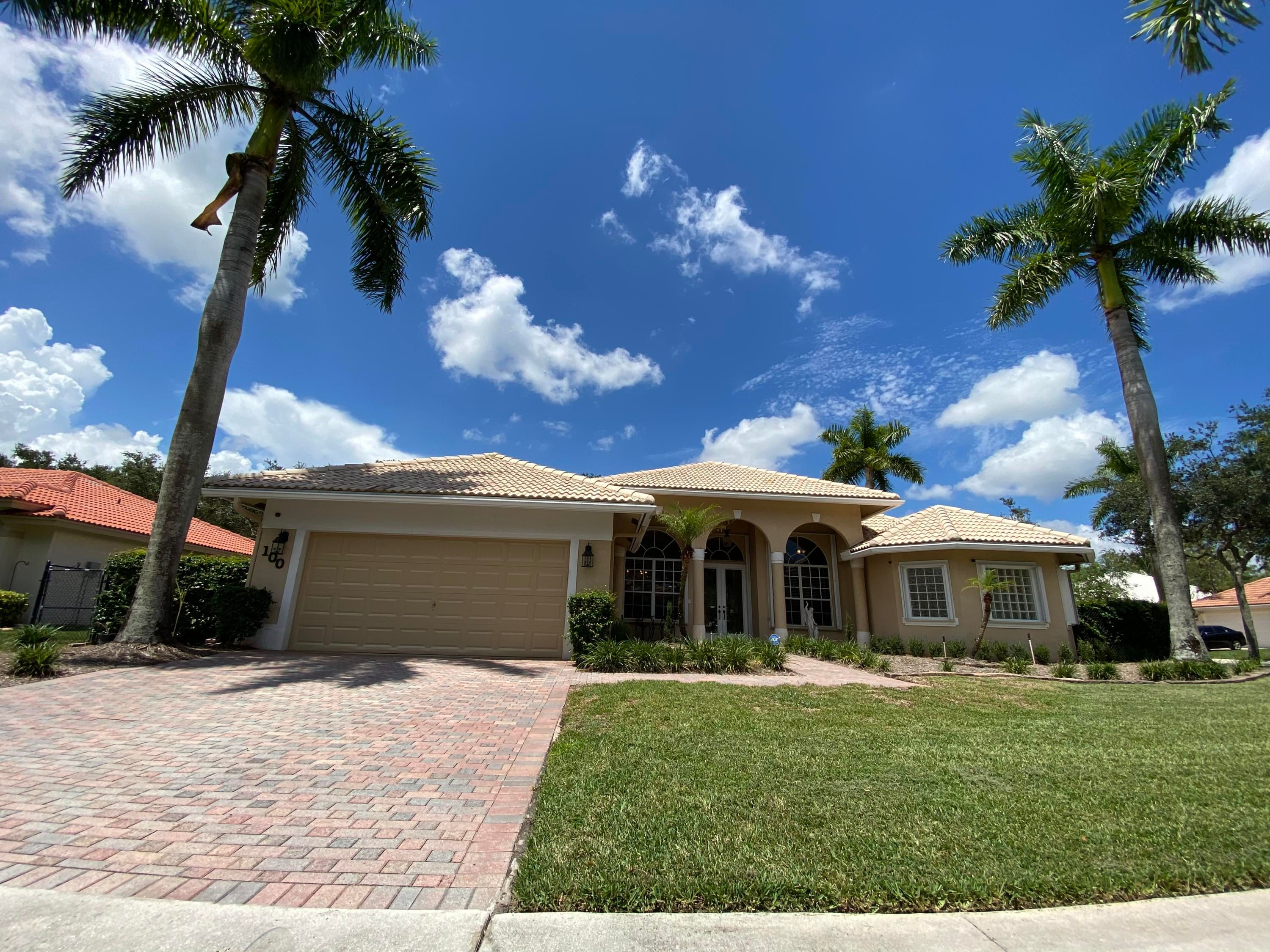 100 Silver Bell Crescent