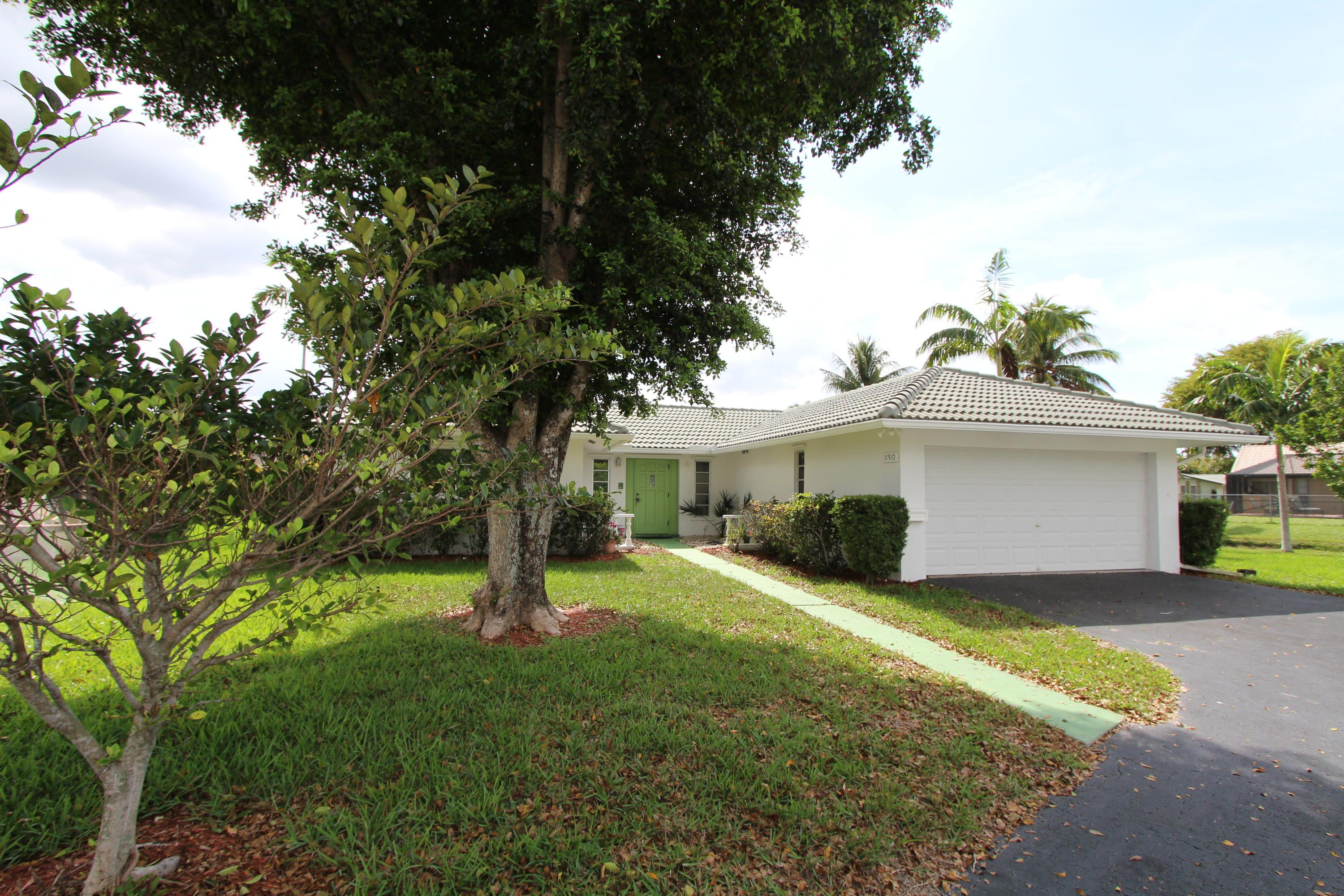 11310 NW 37th Court