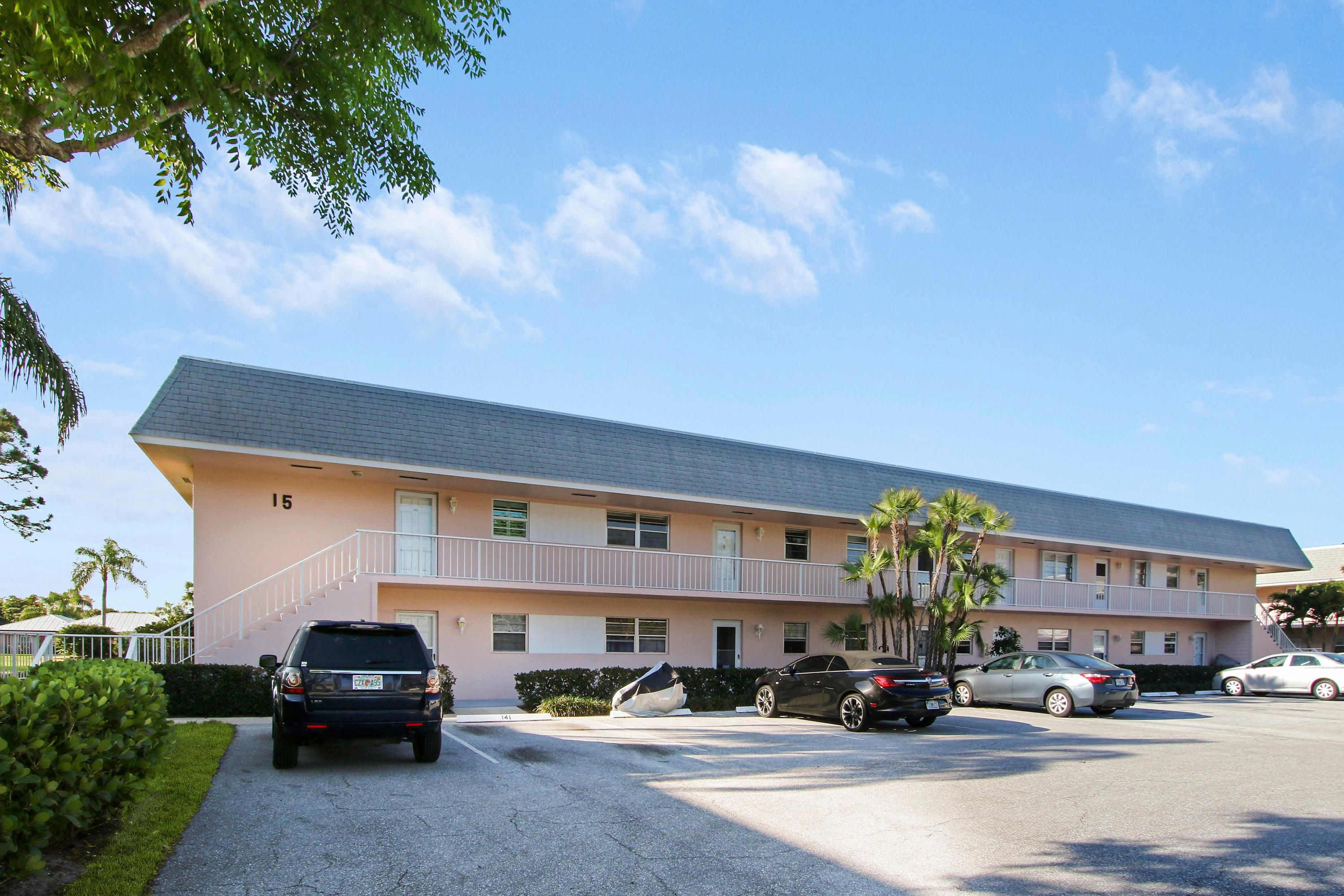 18081 SE Country Club Drive