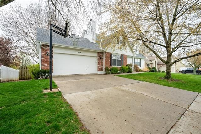 1804 SW Crystal Creek Place