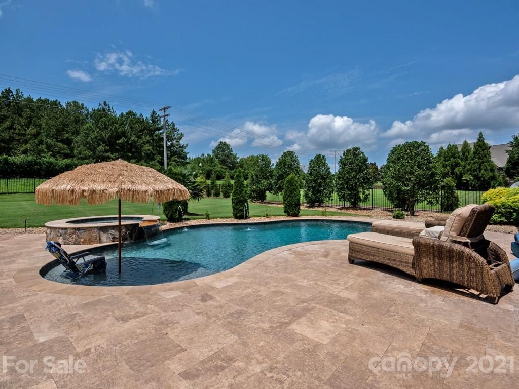 1608 Funny Cide Drive