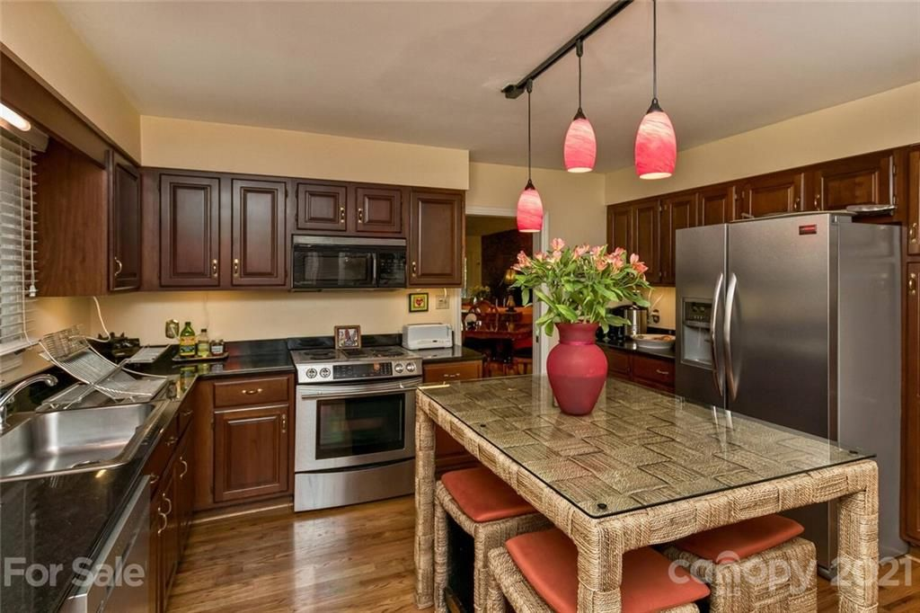 2601 Timber Trail