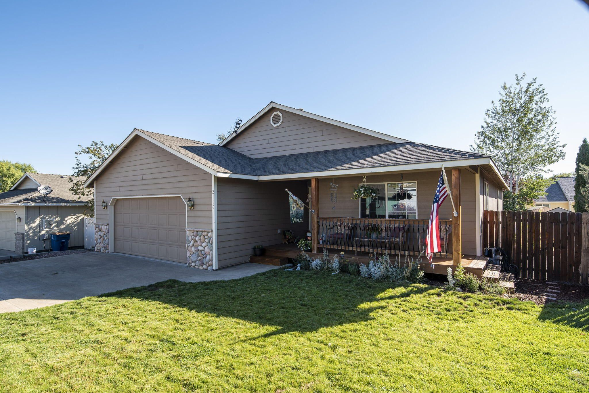 2116 SW 35th Place