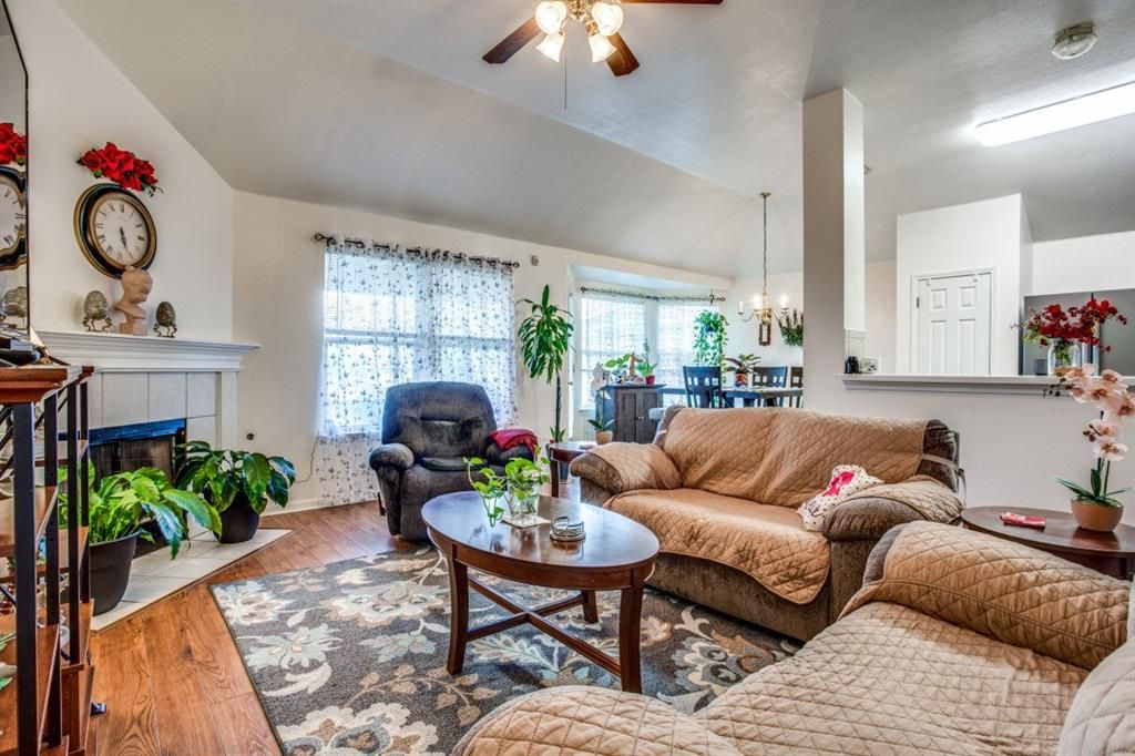 200 Chandler View Trail