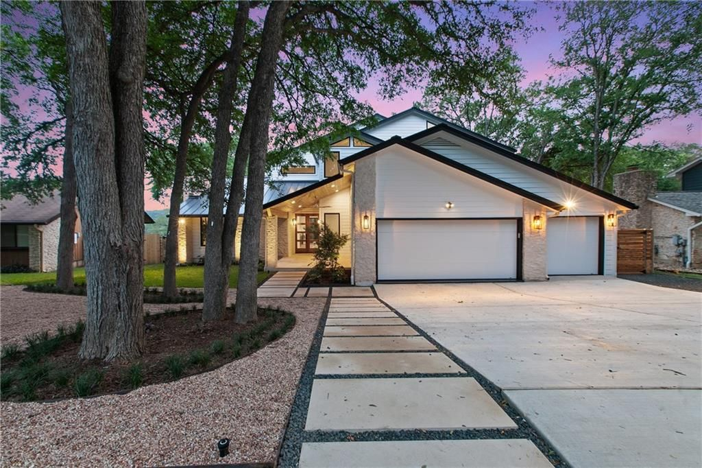 2706 Tether Trail