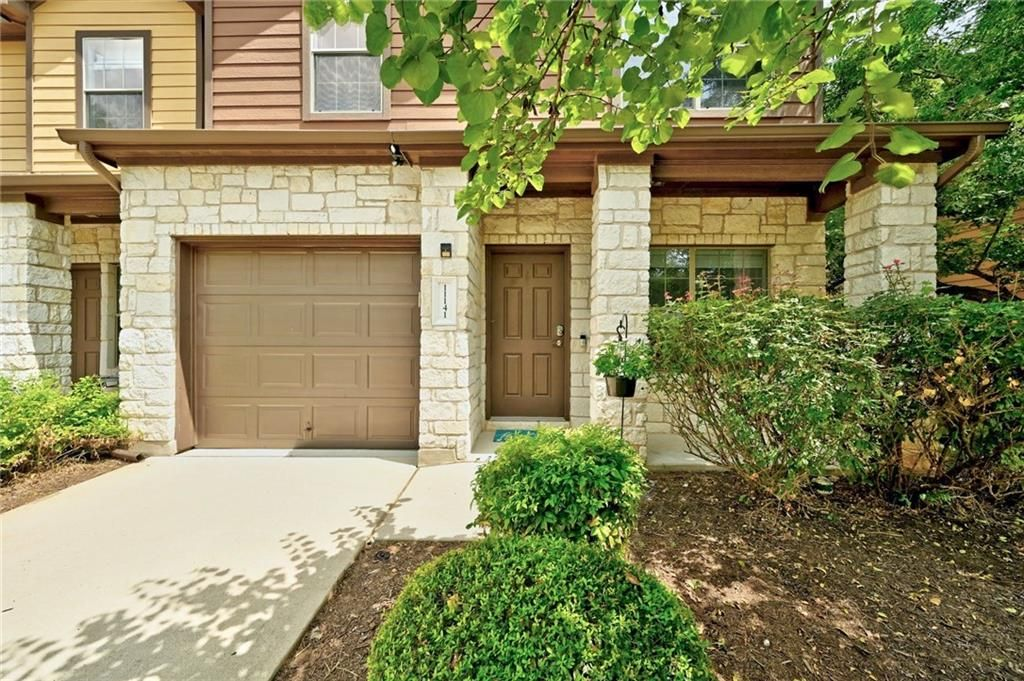 11141 Lost Maples Trail