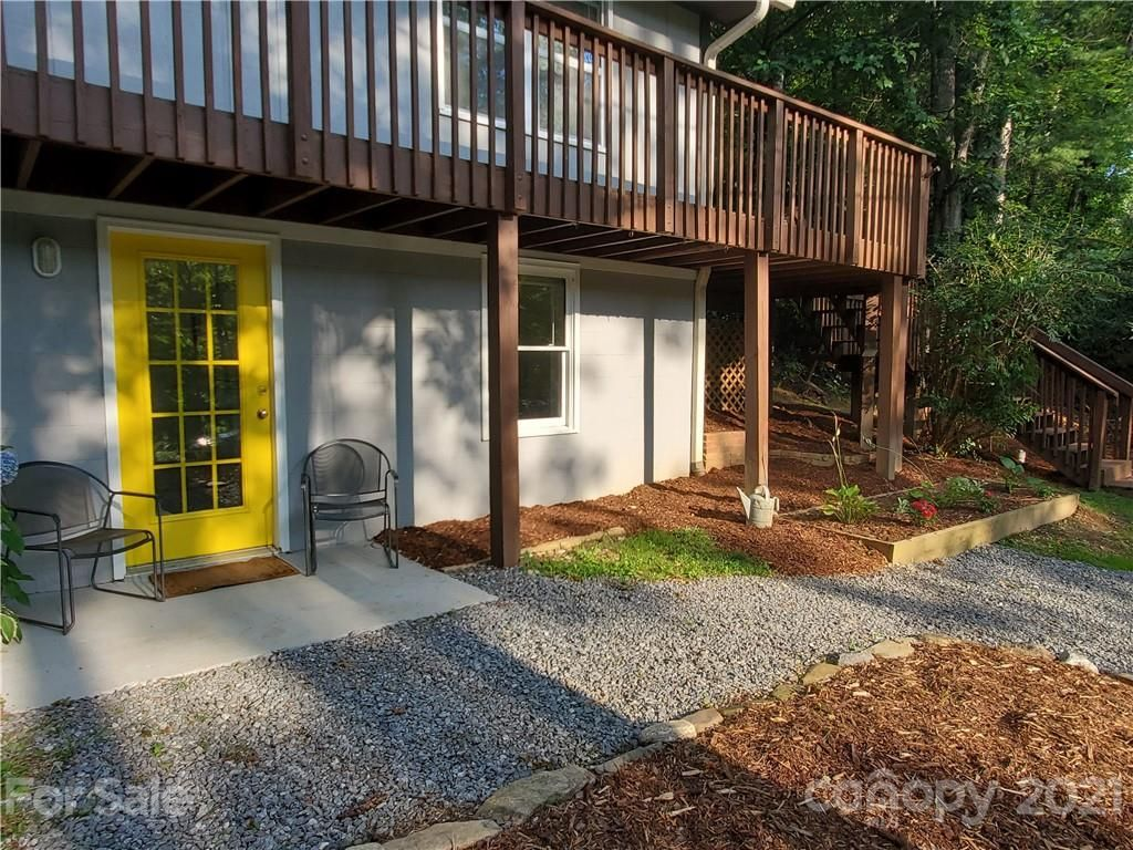 2043 North Fork Right Fork Road