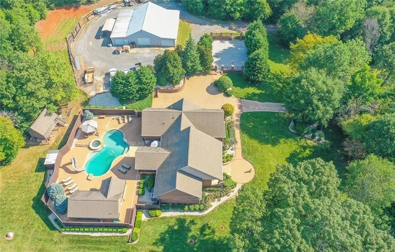 345 Nelson Lake Road SW