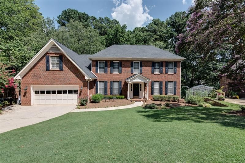 2592 Oak Crossing Drive